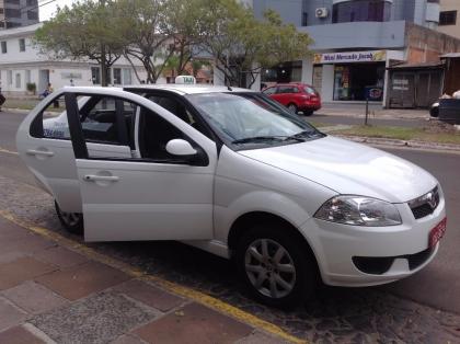 Táxi Evilásio e Emerson 24 horas ponto taxi hospital Torres RS Foto 3
