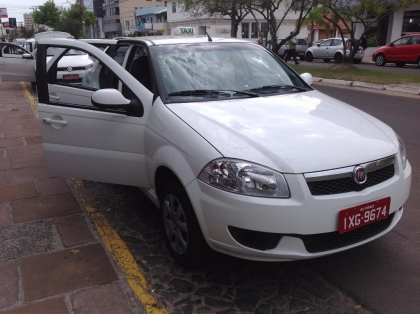 Táxi Evilásio e Emerson 24 horas ponto taxi hospital Torres RS Foto 4